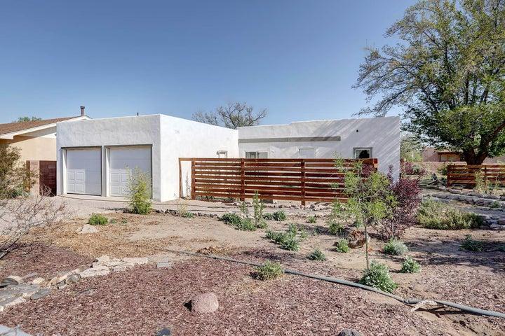 2615 Granite Avenue NW, Albuquerque, NM 87104