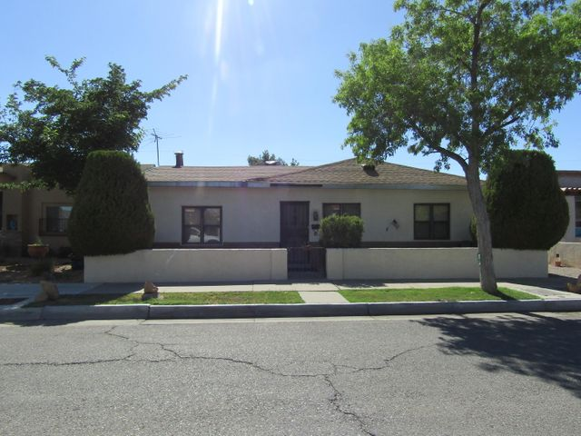 1509 7Th Street NW, Albuquerque, NM 87102