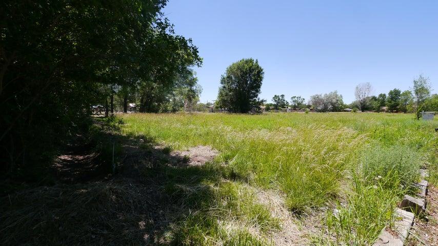 Camino Del Prado (East Lot) NW, Albuquerque, NM 87114