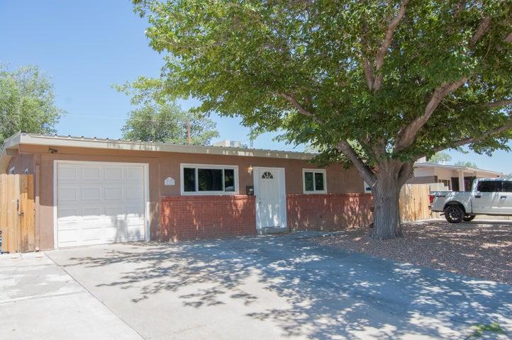 825 Marcella Street NE, Albuquerque, NM 87123