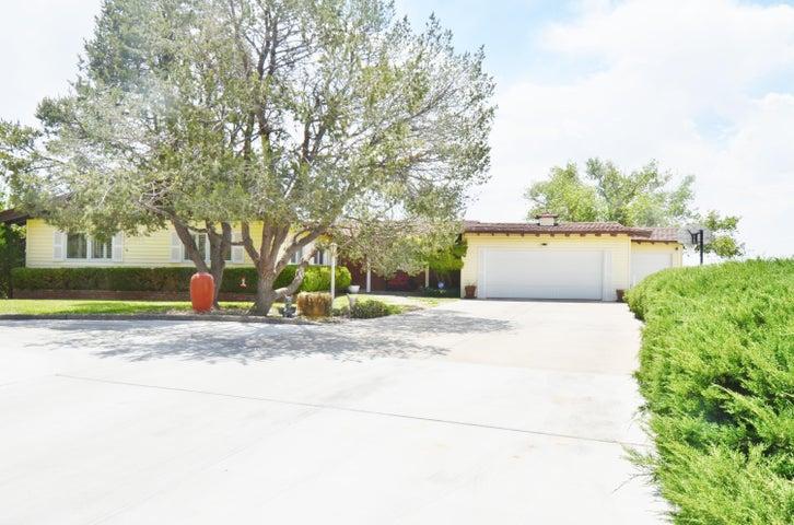 5030 Simon Drive NW, Albuquerque, NM 87114