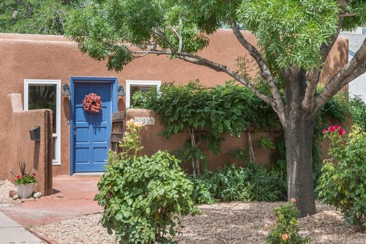 619 Parkland Circle SE, Albuquerque, NM 87108