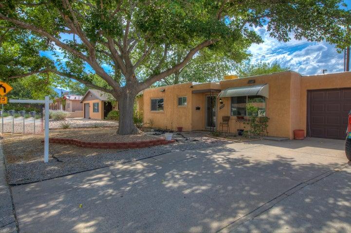 1408 Glorieta Street NE, Albuquerque, NM 87112