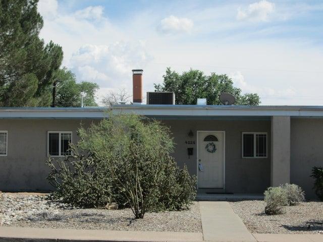 4226 Mackland Avenue NE, Albuquerque, NM 87110