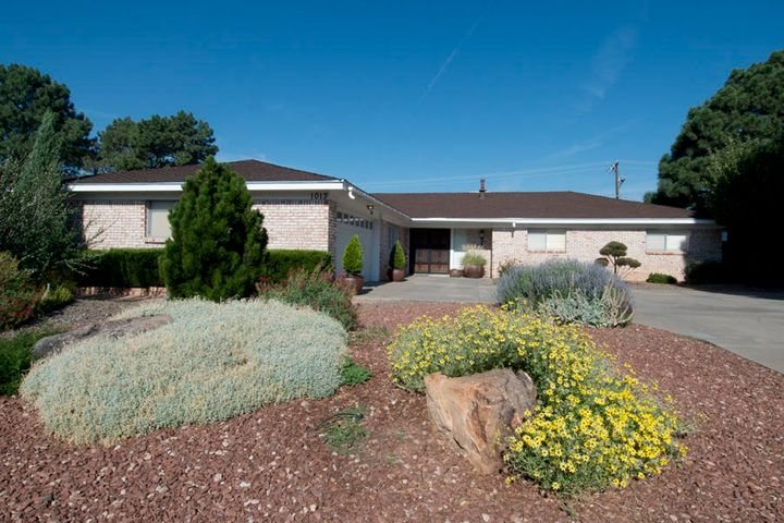 1013 Casa Grande Place NE, Albuquerque, NM 87112