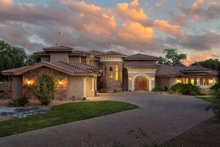 1035 Cottonwood Drive NW, Los Ranchos, NM 87107