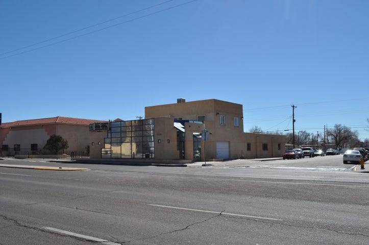 6700 Central Avenue SE, Albuquerque, NM 87108