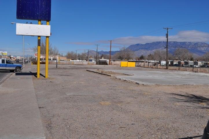 114-156 WYOMING Boulevard NE, Albuquerque, NM 87123