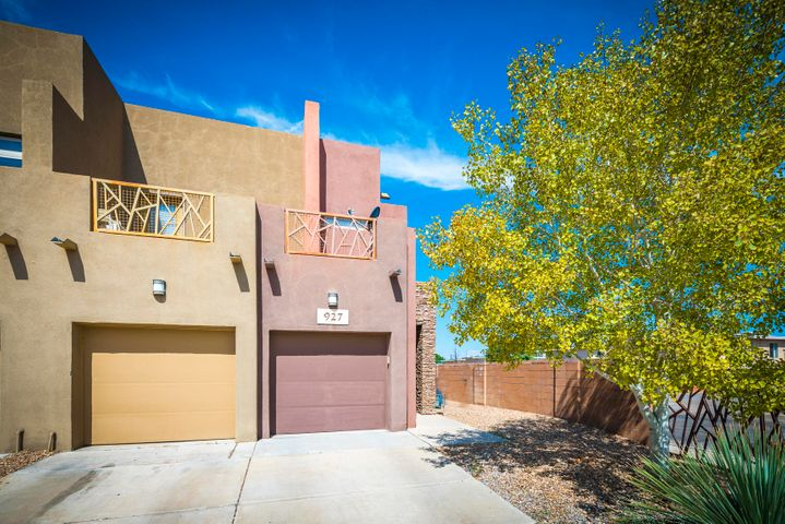 927 Tieran Court NE, Albuquerque, NM 87112