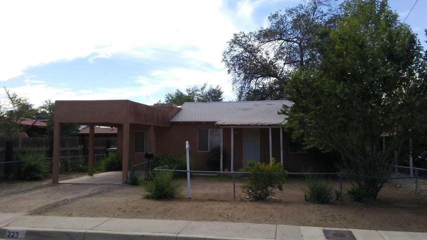 223 Mesilla Street NE, Albuquerque, NM 87108