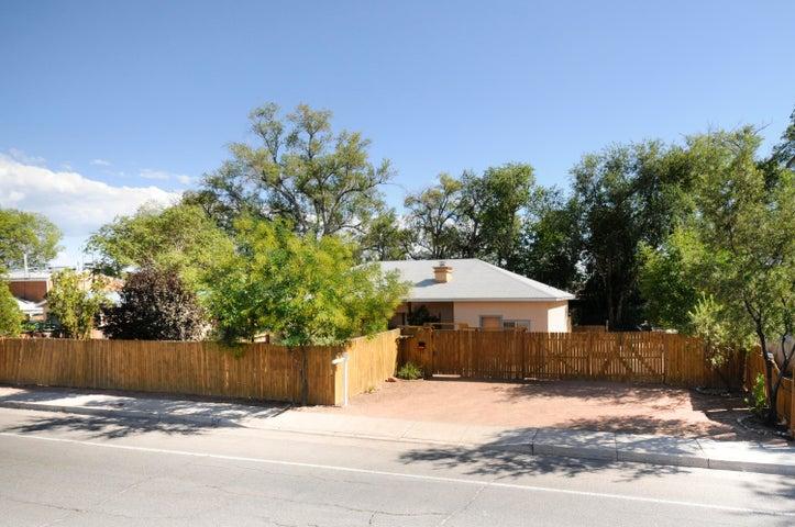 2110 Indian School Road NW, Albuquerque, NM 87104