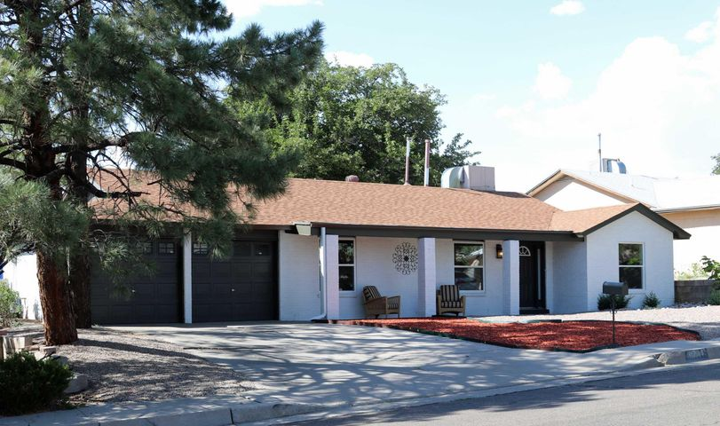 11709 Tracy Court NE, Albuquerque, NM 87111
