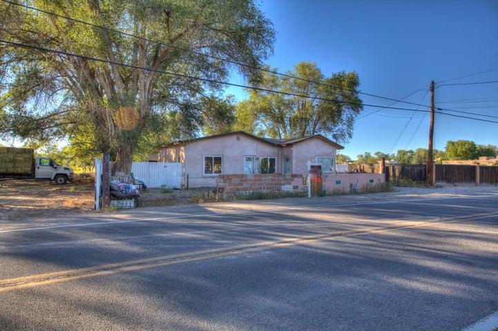 6063 Corrales Road, Corrales, NM 87048