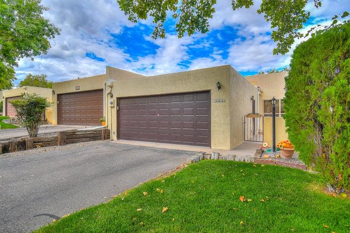 3325 Esplanade Circle SE, Rio Rancho, NM 87124