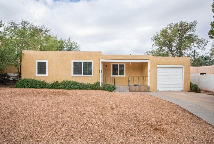 821 Lafayette Drive NE, Albuquerque, NM 87106
