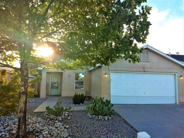 605 Honeylocust Court NW, Albuquerque, NM 87121