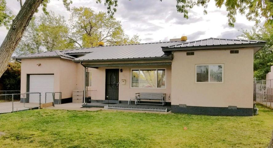 512 Georgia Street SE, Albuquerque, NM 87108