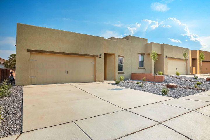 9920 Sacate Blanco Avenue SW, Albuquerque, NM 87121