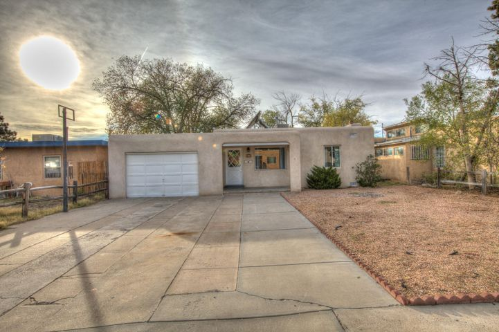 1343 Dartmouth Drive NE, Albuquerque, NM 87106