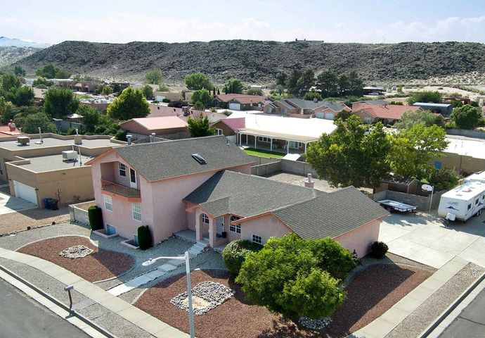6829 Tamarisk Place NW, Albuquerque, NM 87120
