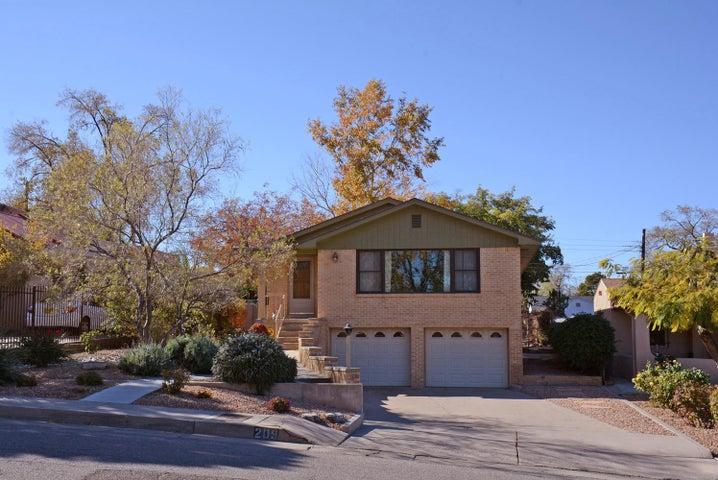 209 Hermosa Drive SE, Albuquerque, NM 87108
