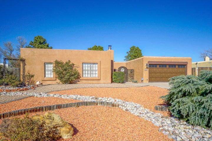 1513 Camino Amparo NW, Albuquerque, NM 87107