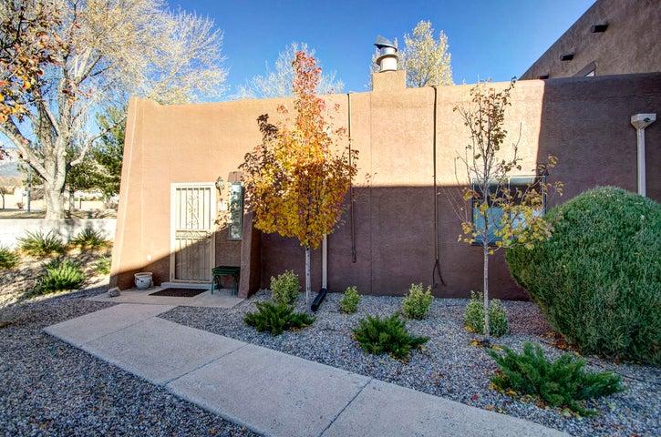 5801 Lowell Street NE, 23A, Albuquerque, NM 87111