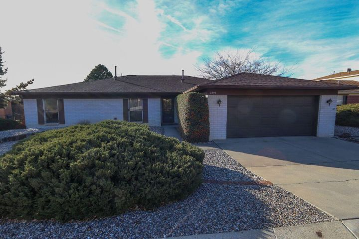 2509 Punta De Vista Drive NE, Albuquerque, NM 87112