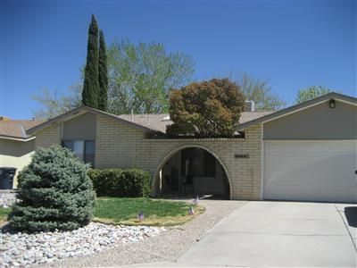 3824 Altez Street NE, Albuquerque, NM 87111