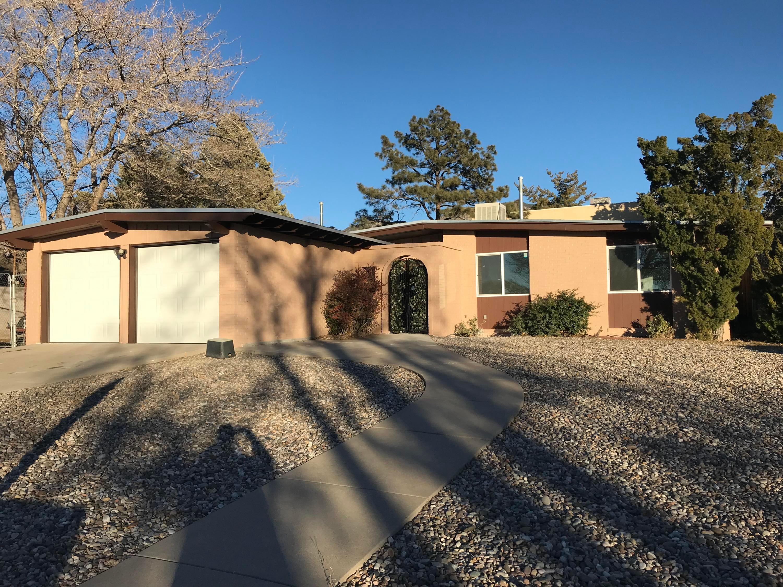 2312 Algodones Street NE, Albuquerque, NM 87112
