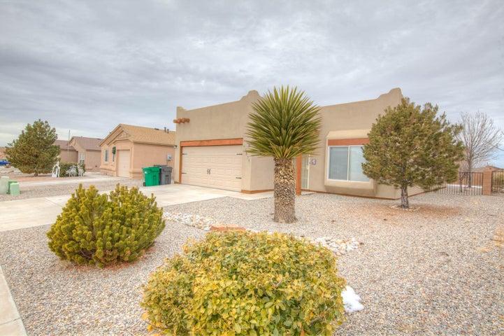 4811 Raptor Road NE, Rio Rancho, NM 87144