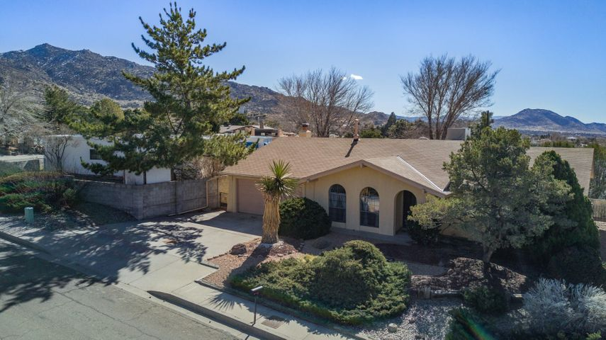 13532 Witcher Avenue NE, Albuquerque, NM 87112