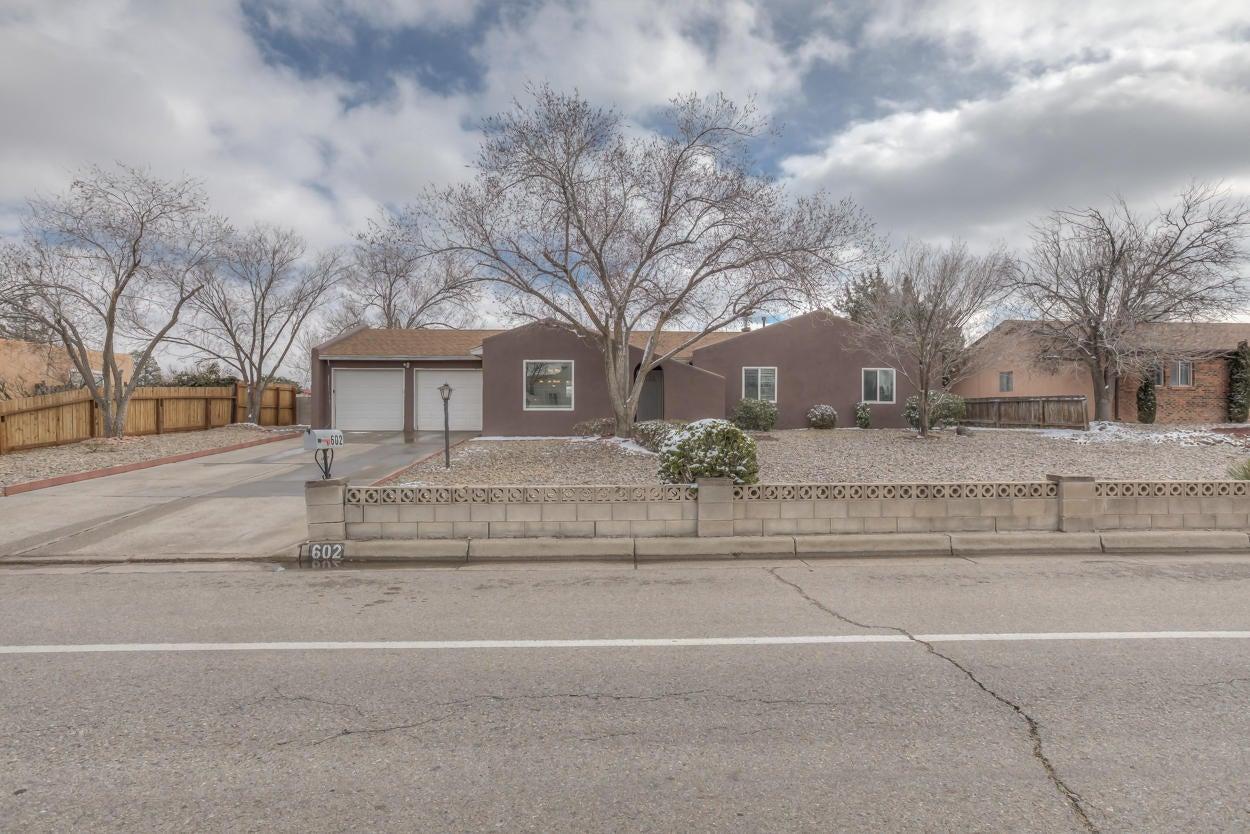 602 Villa Verde Drive SE, Rio Rancho, NM 87124