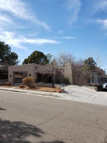 1805 Lafayette Drive NE, Albuquerque, NM 87106