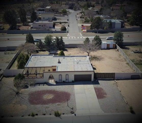 5106 Fairfax Drive NW, Albuquerque, NM 87114