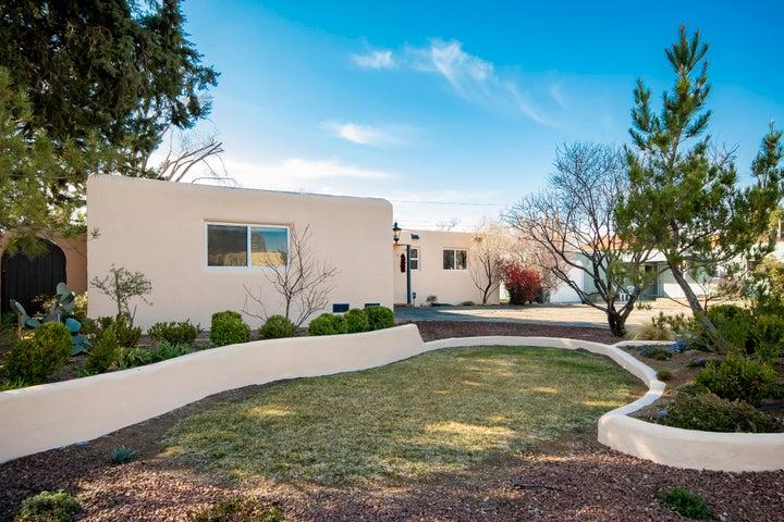 7746 Haines Avenue NE, Albuquerque, NM 87110