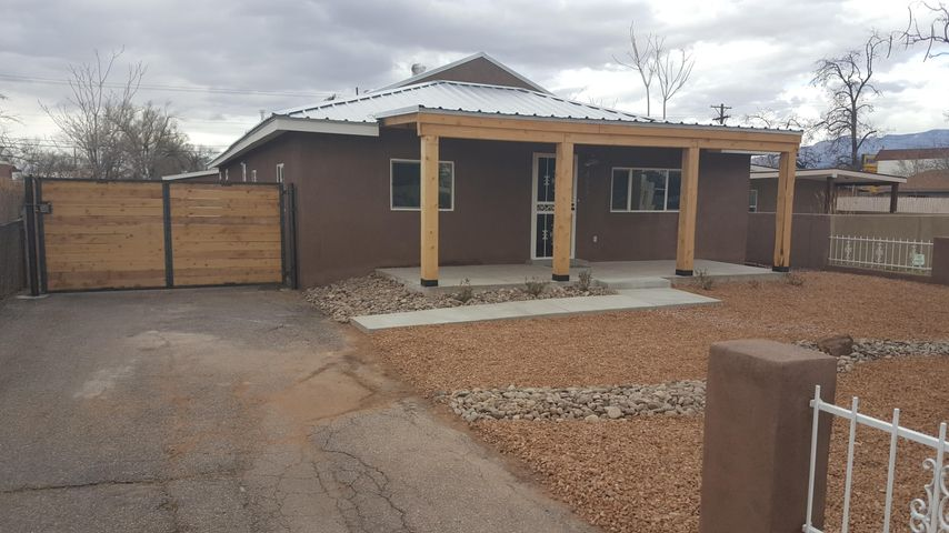 423 Gene Avenue NW, Albuquerque, NM 87107