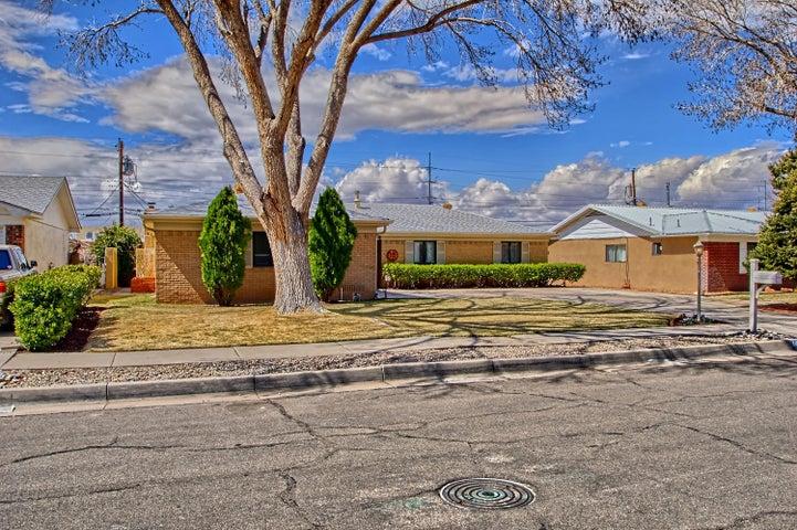 1421 Boatright Drive NE, Albuquerque, NM 87112