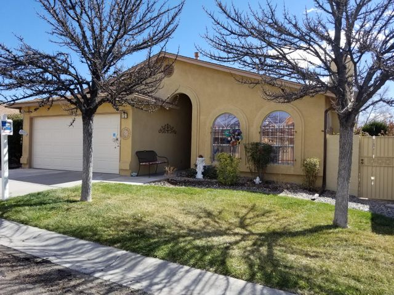 10808 Central Park Drive NE, Albuquerque, NM 87123