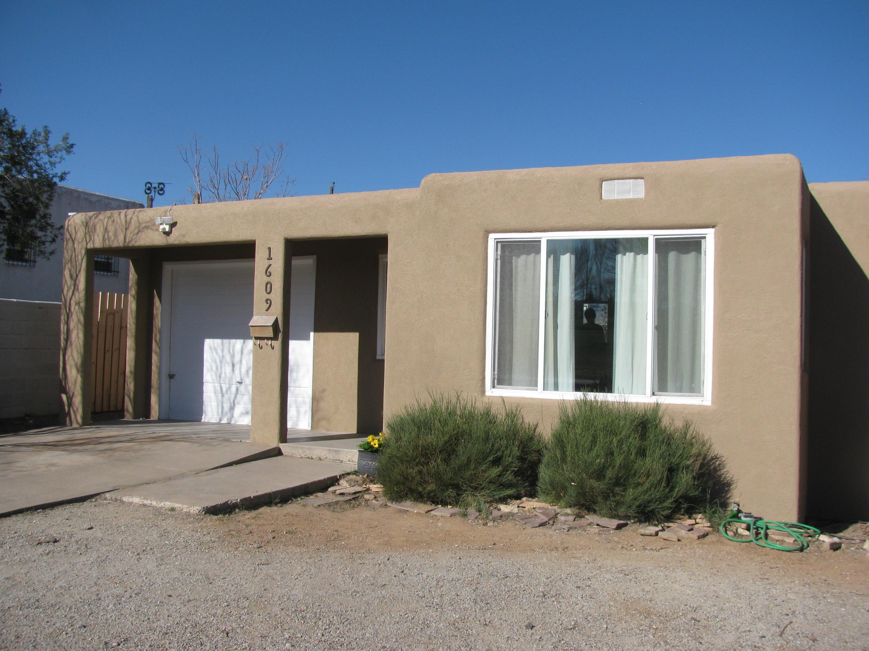 1609 Girard Boulevard SE, Albuquerque, NM 87106