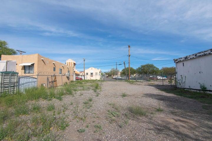 Edith Boulevard NE, Albuquerque, NM 87102