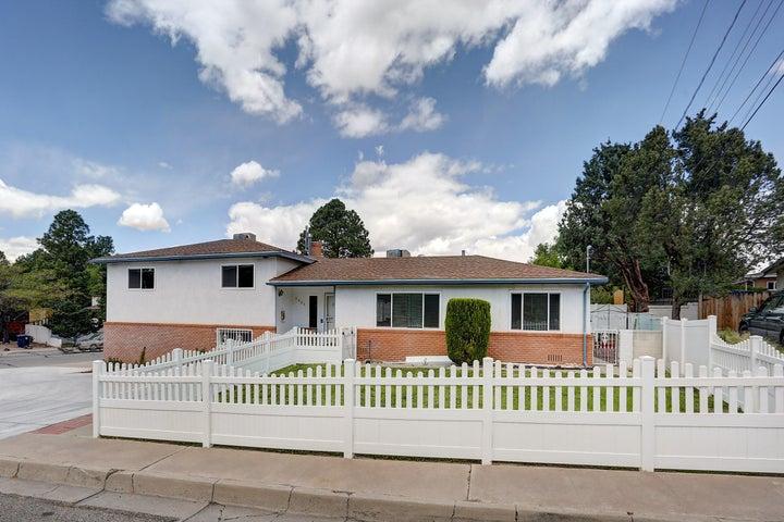 3525 Haines Avenue NE, Albuquerque, NM 87106