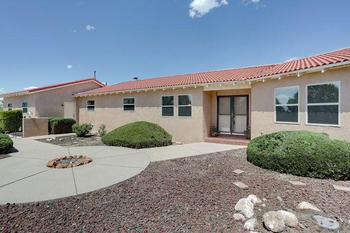 989 Lynx Loop NE, Albuquerque, NM 87122