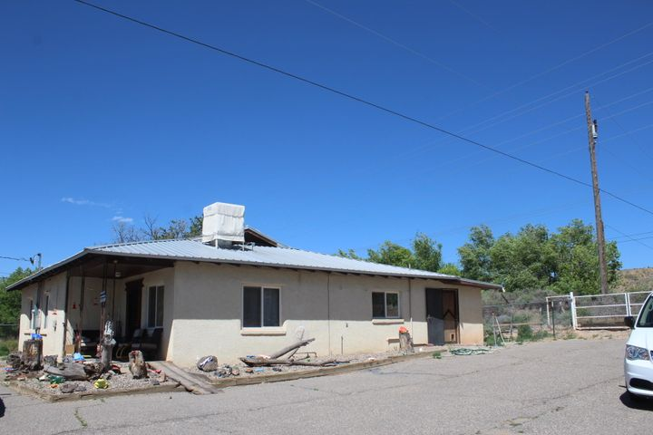 189 El Cerro Loop, Los Lunas, NM 87031