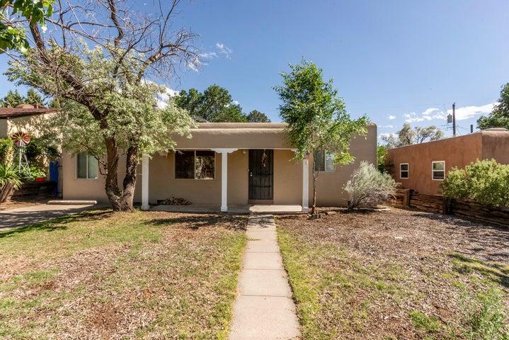 2726 Santa Clara Avenue SE, Albuquerque, NM 87106