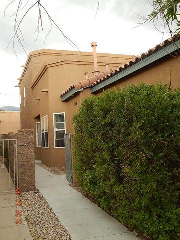 3710 Westerfeld Drive NE, Albuquerque, NM 87111