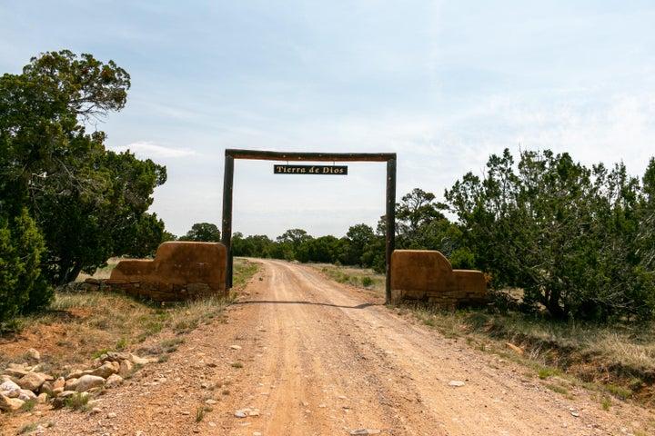 Welcome to Tierra de Dios