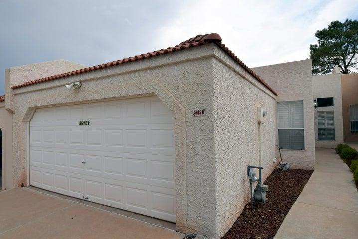 3615 B Moon Street NE, Albuquerque, NM 87111