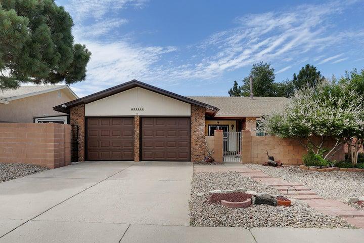 9804 Admiral Dewey Avenue NE, Albuquerque, NM 87111