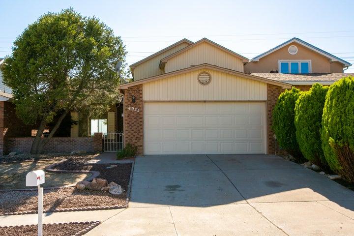 4933 Calle De Carino NE, Albuquerque, NM 87111